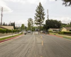 entrance-neighborhood_0005