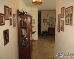 Interior (33)