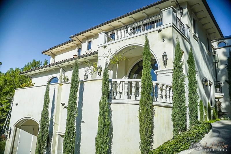 Cypress Mansion
