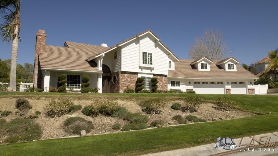 L & J House